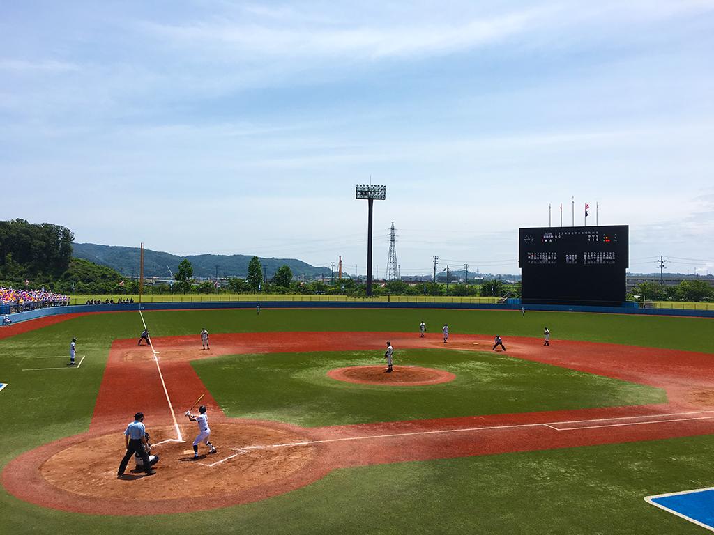 石巻市民球場は震災後にMLBからの支援を受け全面人工芝球場に改修されました